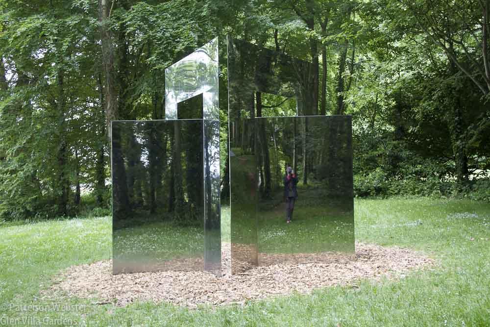 Modern kert díszítés, dekoráció és kertrendezés  - trükkös tükör