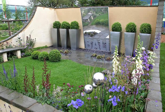 Modern kert díszítés, dekoráció és kertrendezés
