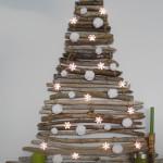 Karácsonyfa galyakból