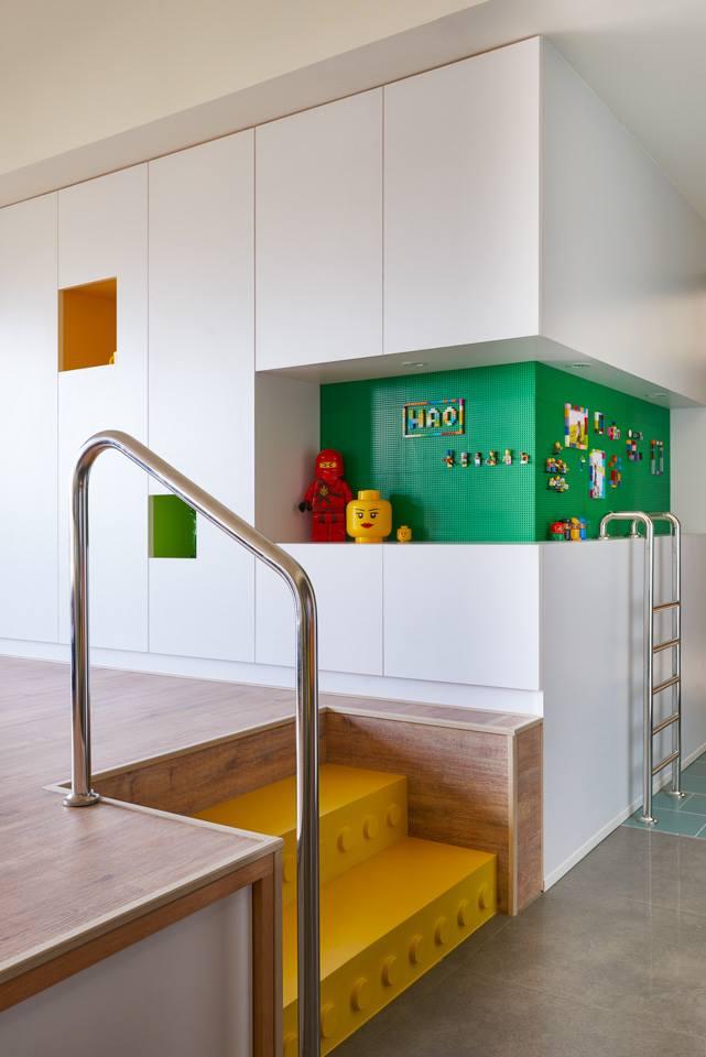 Minialista lakás lépcső