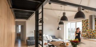 Loft lakás a tetőtérben nappali konyha