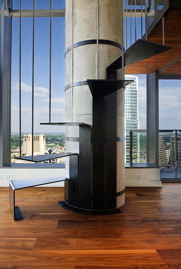 penthouse lakás csigalépcső
