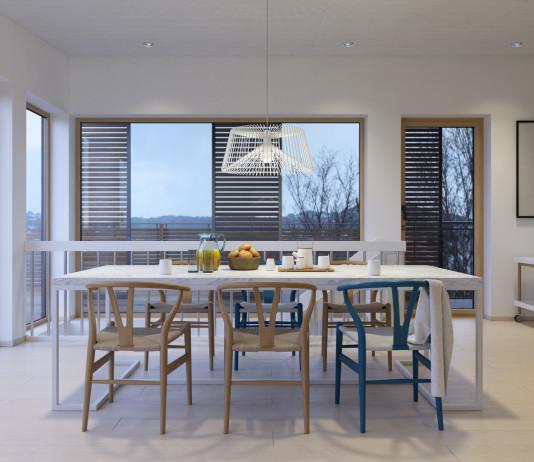 fehér étkező színes székekkel