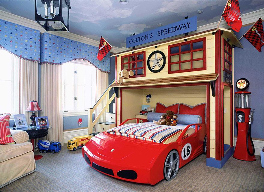 gyerekszoba bútor gyerekszoba falfestés és egyéb dekoráció, lakberendezési ötlet - versenyautós