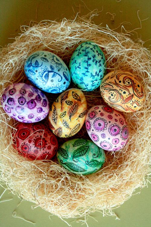 húsvéti tojás, tojásfestés - tojásdekoráció vízfestékkel és színes ceruzával