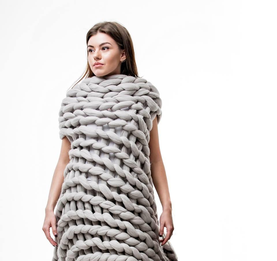 kötött takaró, kötött ágytakaró, kötött ruha óriás fonalból - poncsó