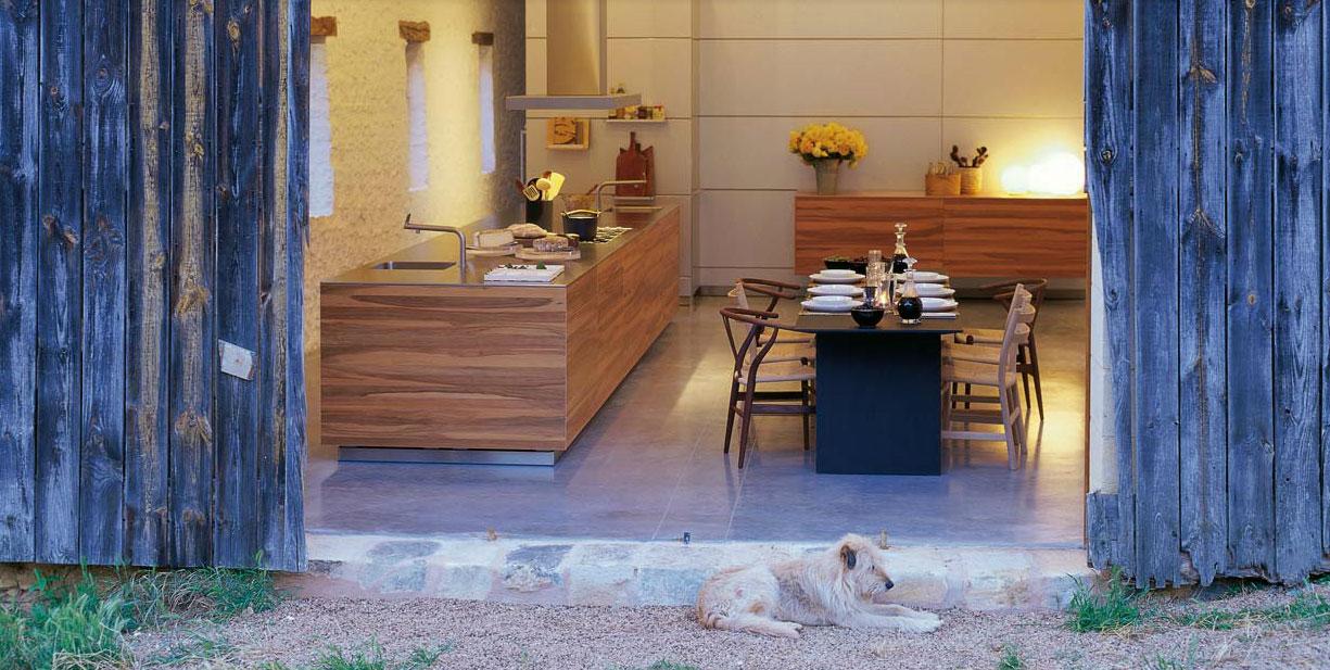 kegyszerű és letisztult bükk minimalista és modern konyhabútor
