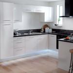 Modern fehér konyhabútor