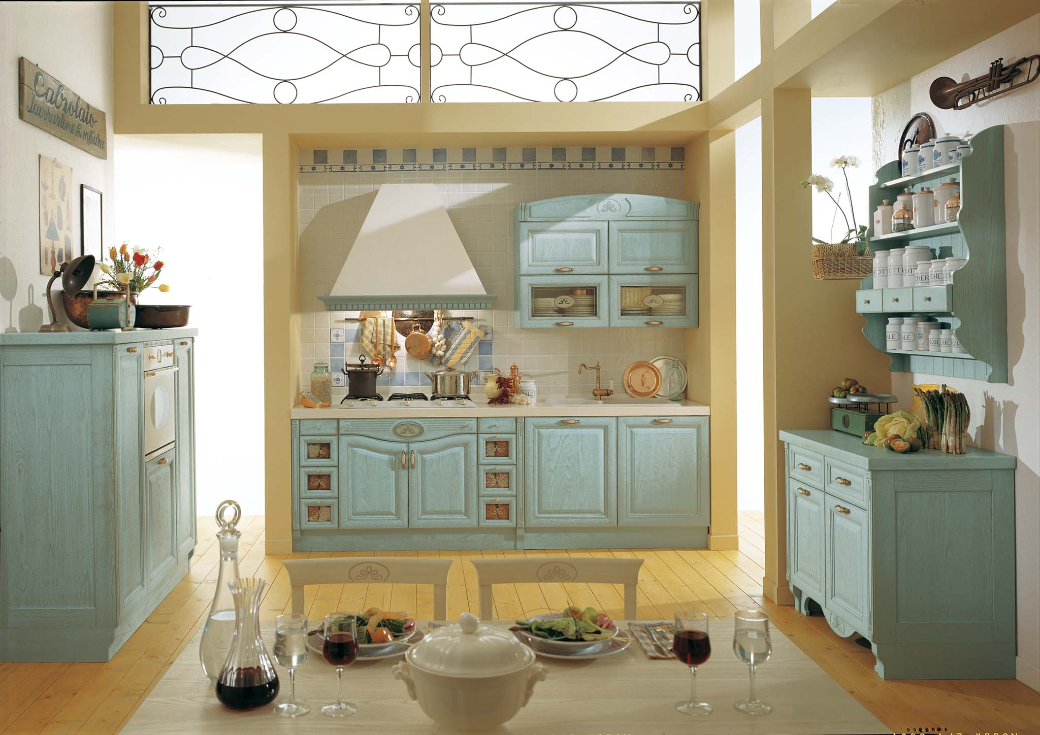 Klasszikus festett türkiz kék konyhabútor