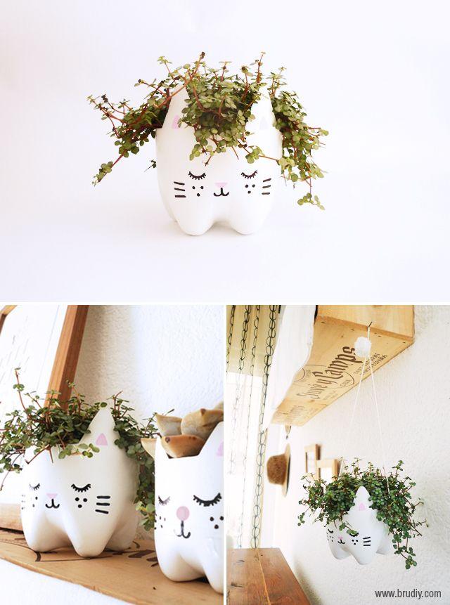 pet palack és pet kupak újrahasznosítás - állatos műanyag palackból készült virágcserép cicus
