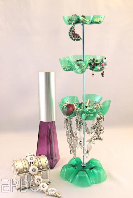 pet palack és pet kupak újrahasznosítás - ékszer tartó és állvány