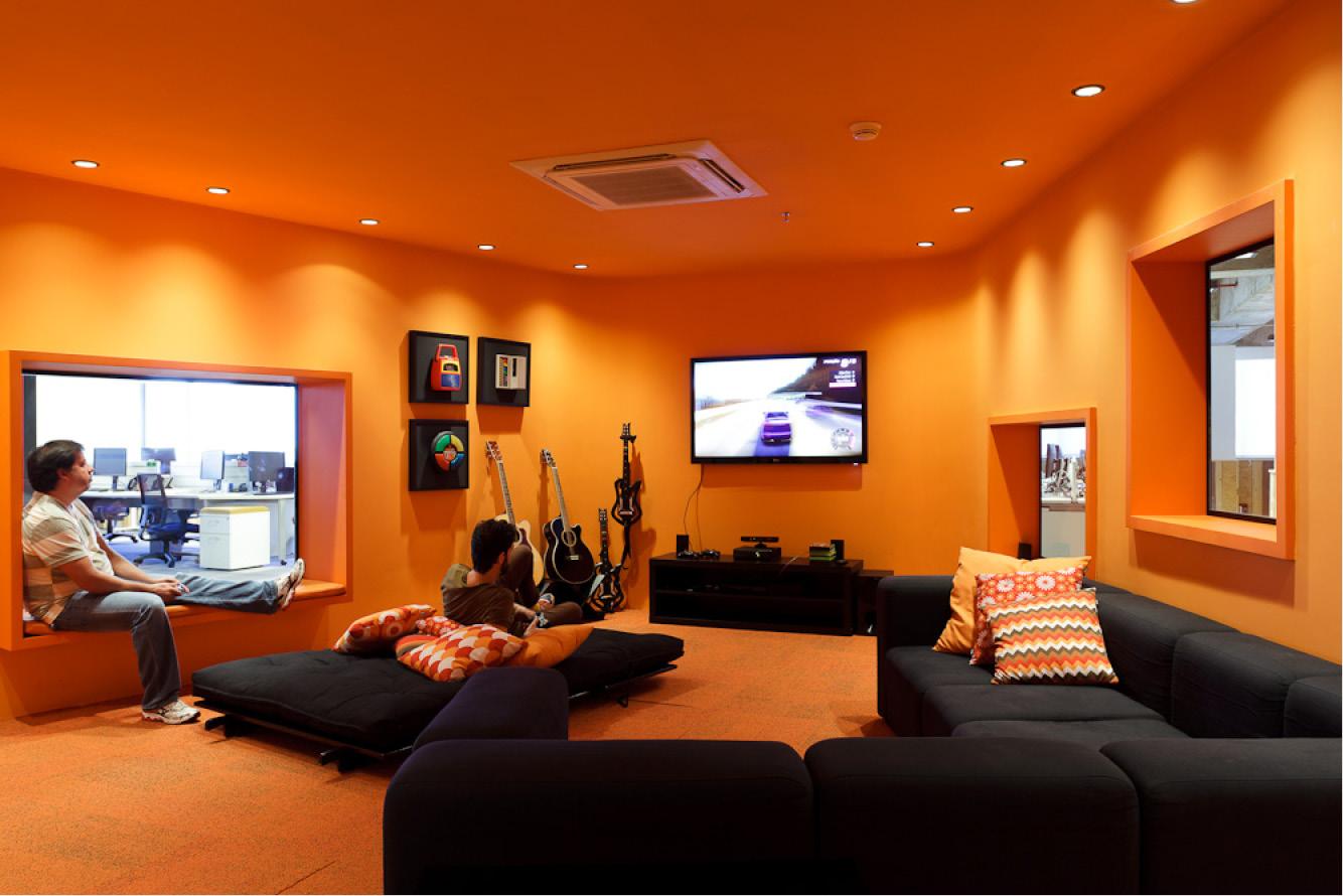 zene és média szoba