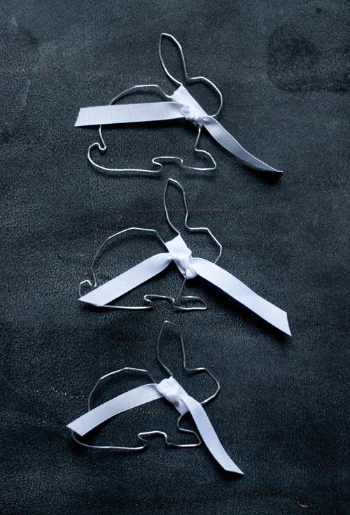 húsvéti-dekoráció-nyuszi-drótból