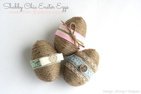 húsvéti tojás madzaggal díszítve