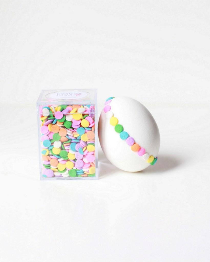 konfetti tojás