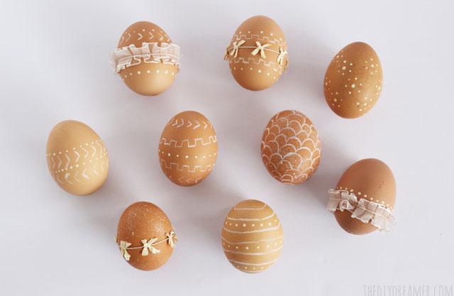 húsvéti tojás ötlet festve, csipkézve