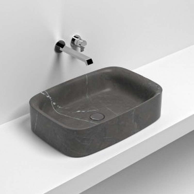 különleges kőből készült mosdó