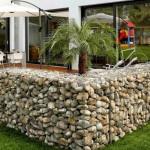 kertépítés ötlet - kavics kerítés - kőkerítés