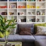 kis lakás berendezése - nappali könyvespolc