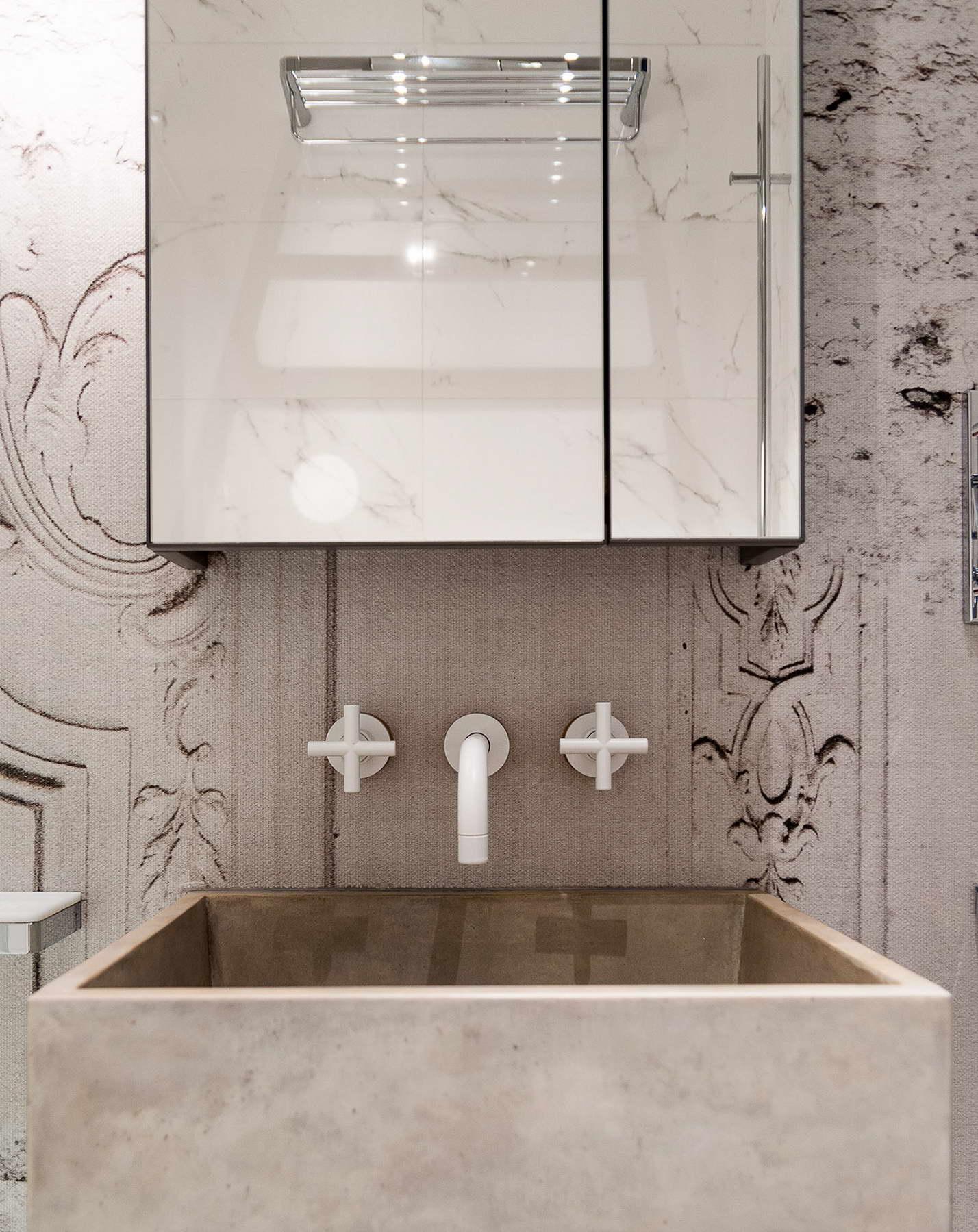 modern lakás - régi - új dizájn - fürdőszoba - beton mosdó