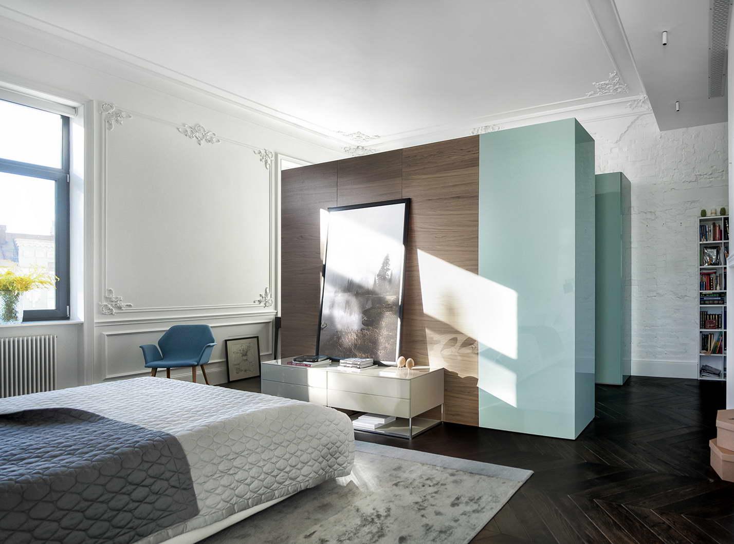 modern lakás régi új dizájn - bejárat és tároló