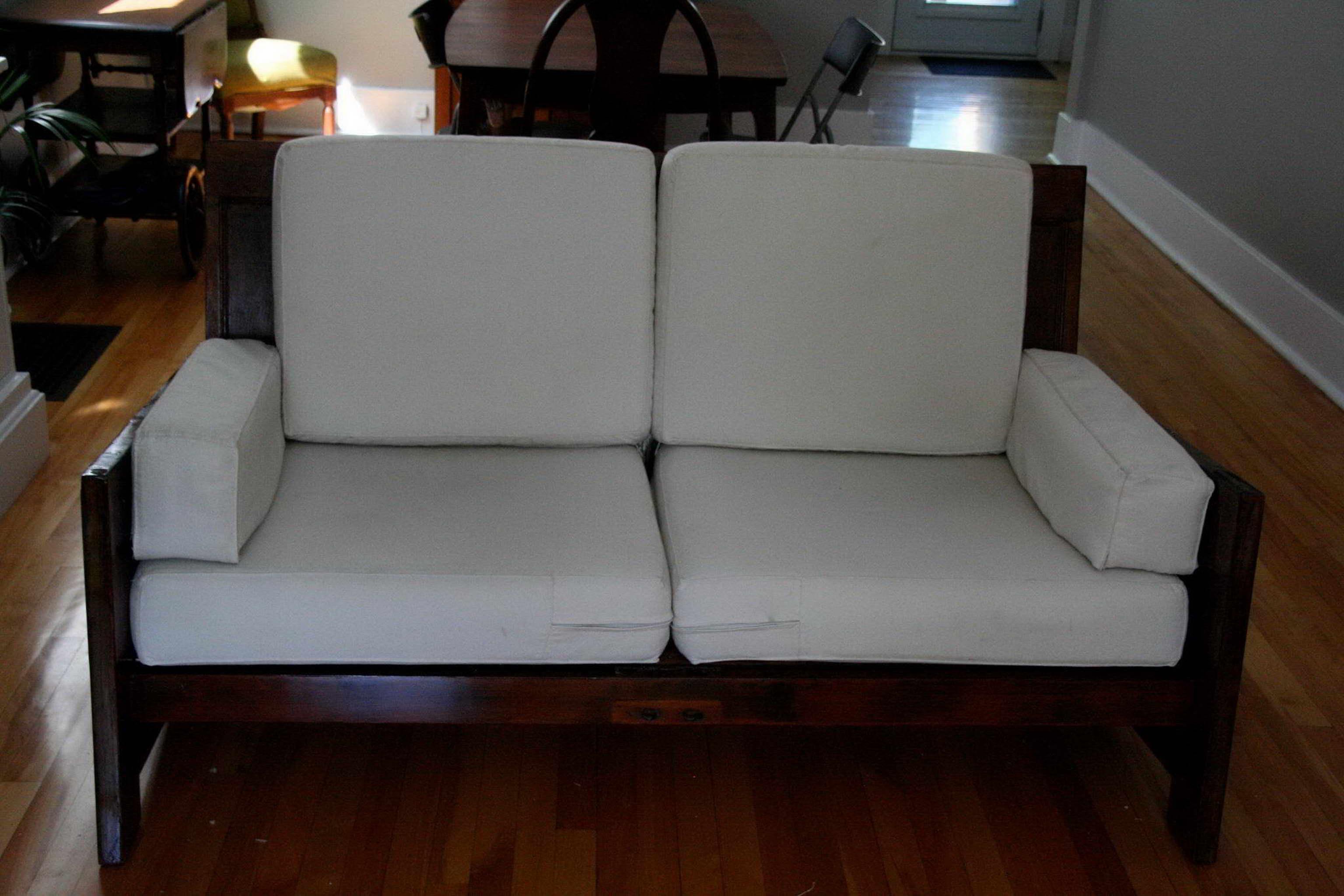 régi ajtó újrahasznosítás - kanapé