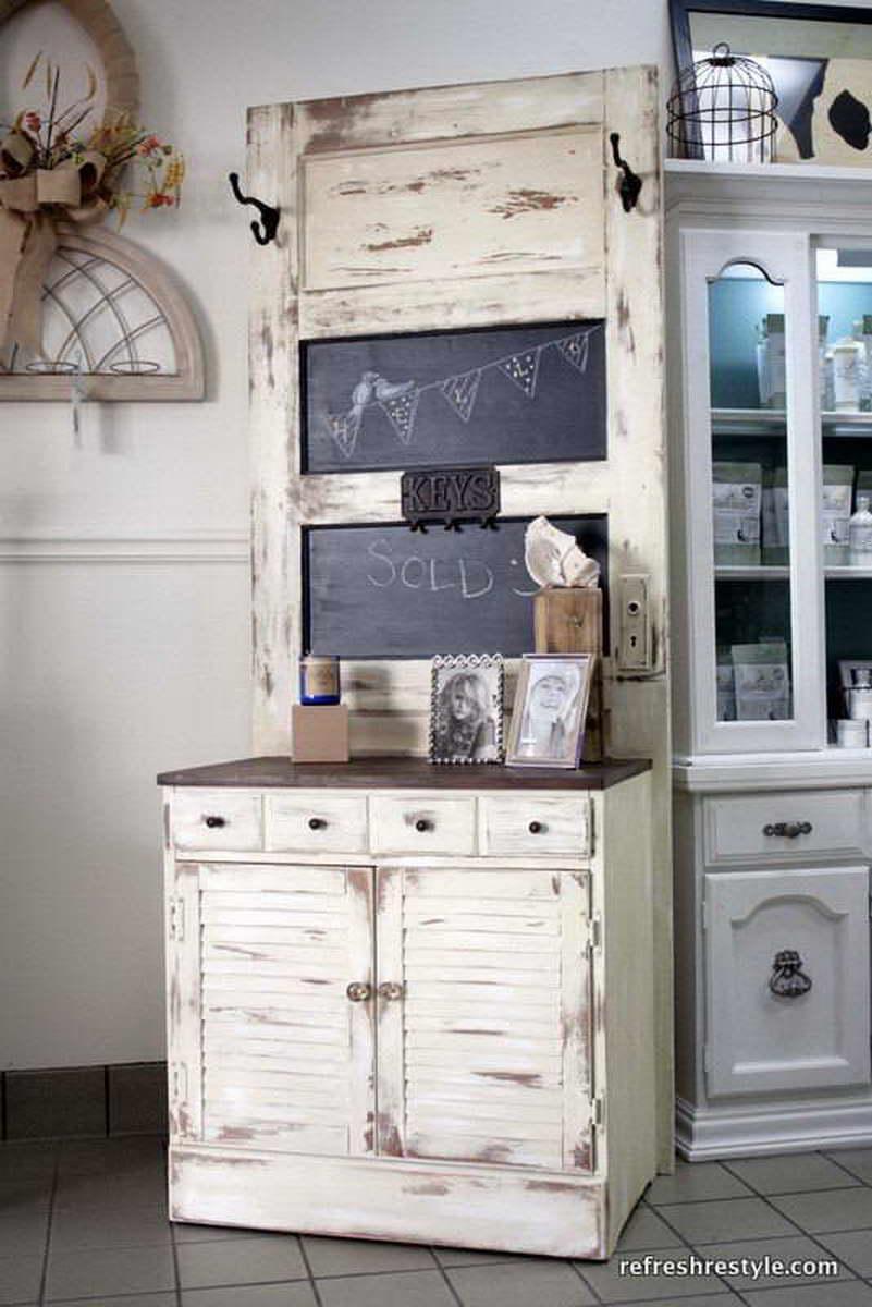 régi-ajtó-kreatív-újrahasznosítás - nappali bútor