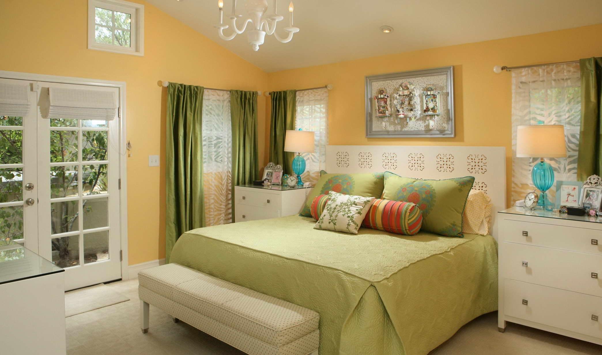 szoba szín és fal szín kiválasztása - sárga