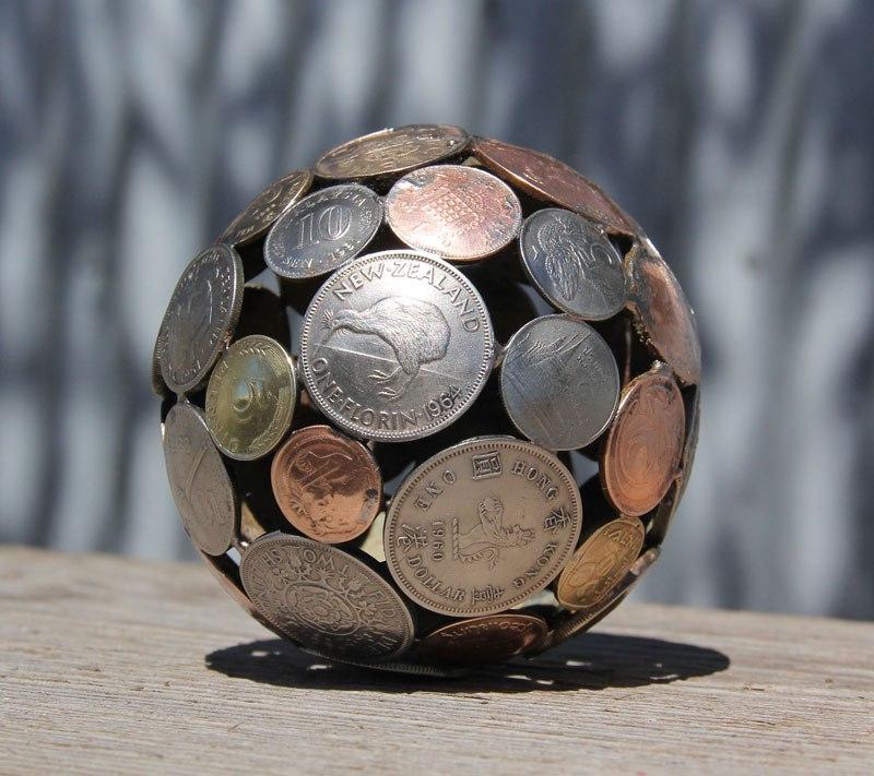 régi kulcs és pénz, érme alkotások - tál