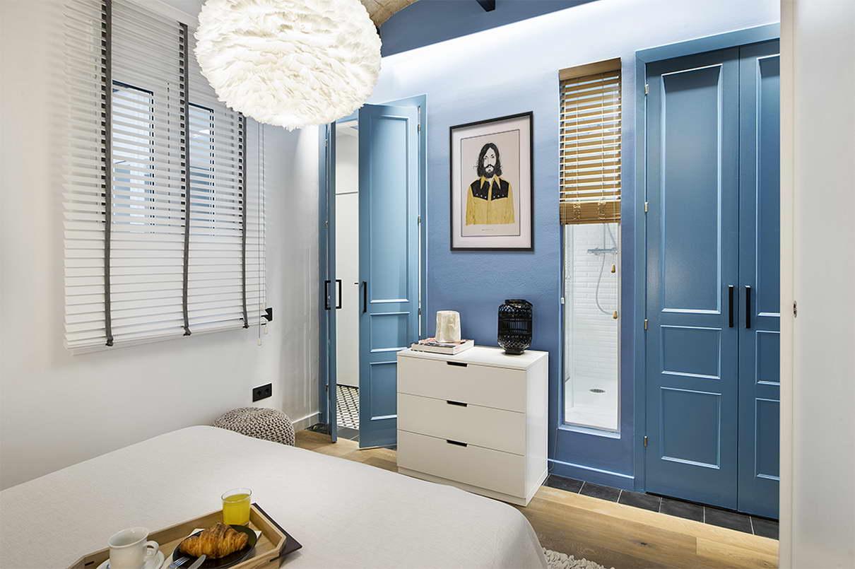 tengerparti nyaraló - városi kis lakás - hálószoba