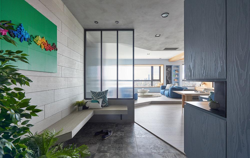 játékos és színes lakás - bejárat