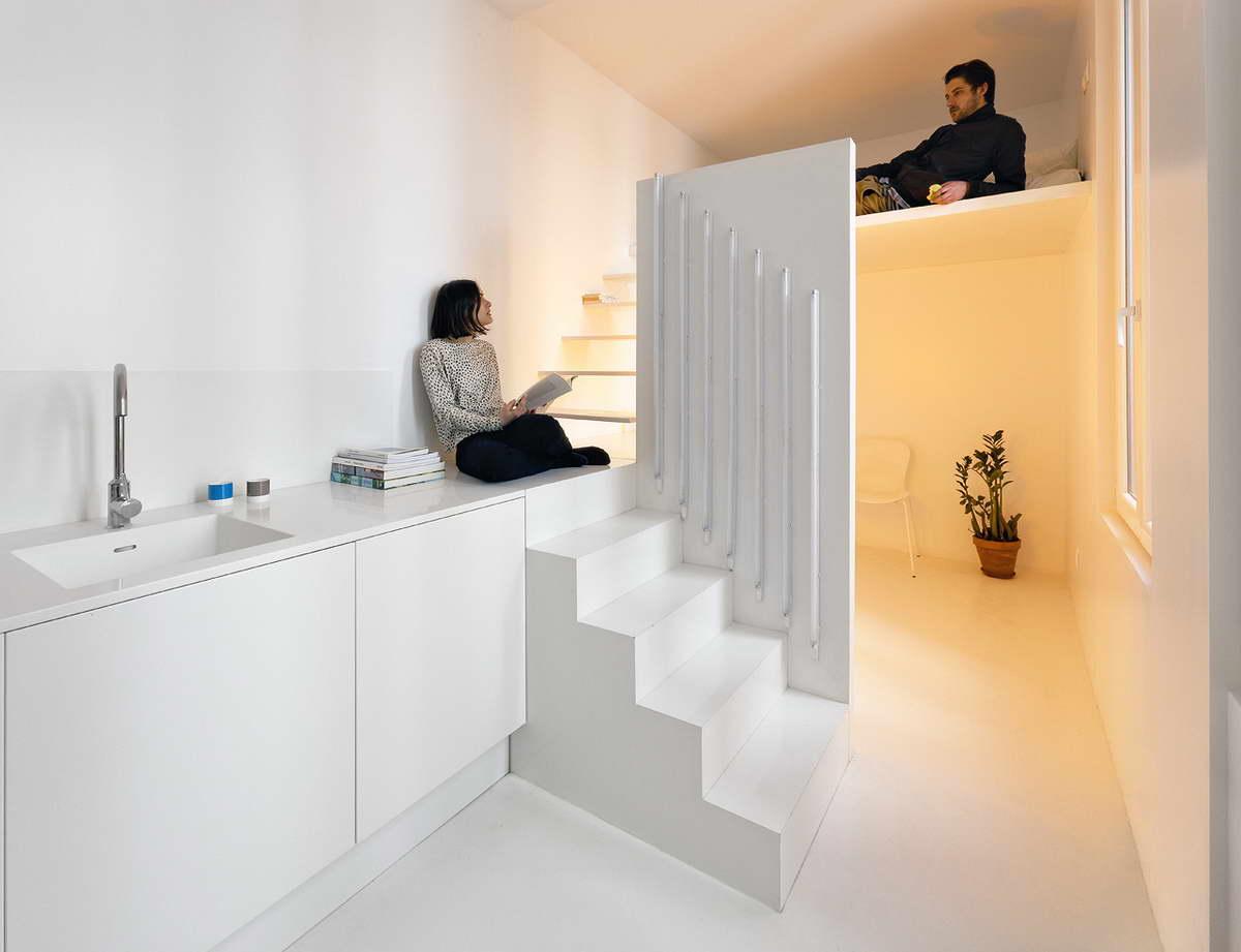 kis lakás játék a fényekkel - hideg fehér és meleg fehér