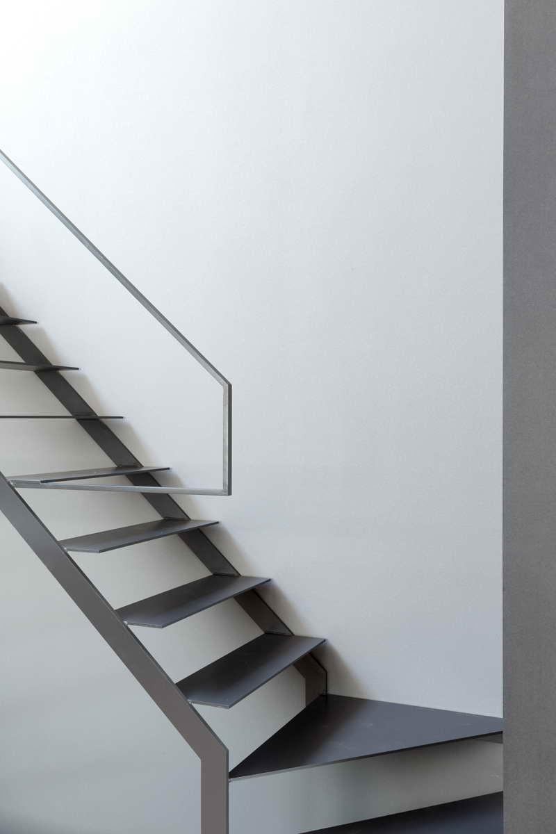 minimál design különböző stílus - nappali lépcső