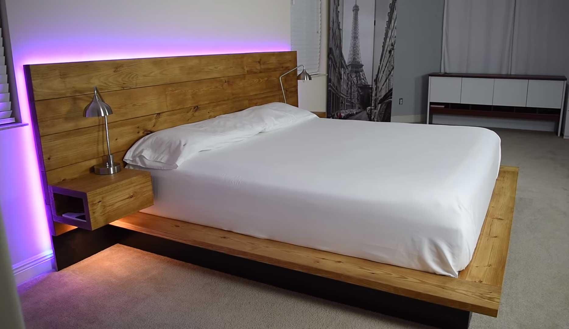 ágy készítés DIY kreatív - profi ágy háttámlával éjjeli szekrény és rejtett világítás beépítéssel