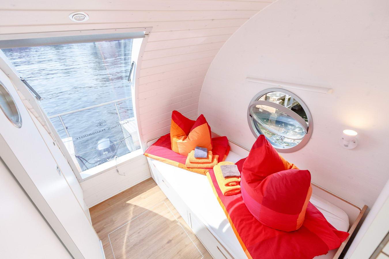 úszóhajó, lakóhajó - hálószoba