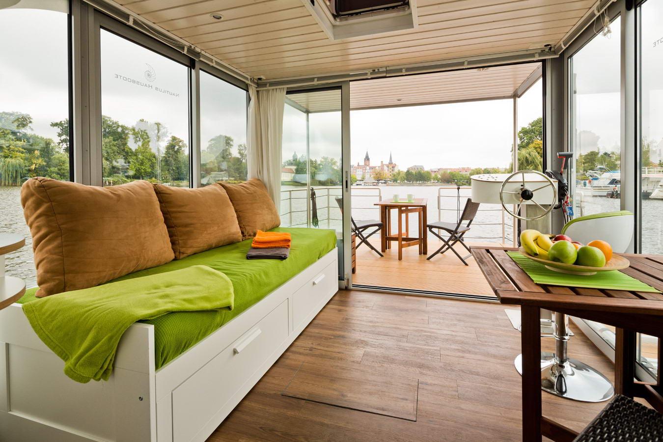 úszóhajó, lakóhajó - nappali