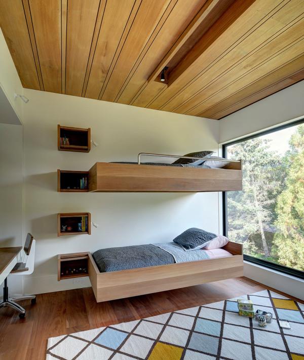 gyerek emeletes ágy - polc