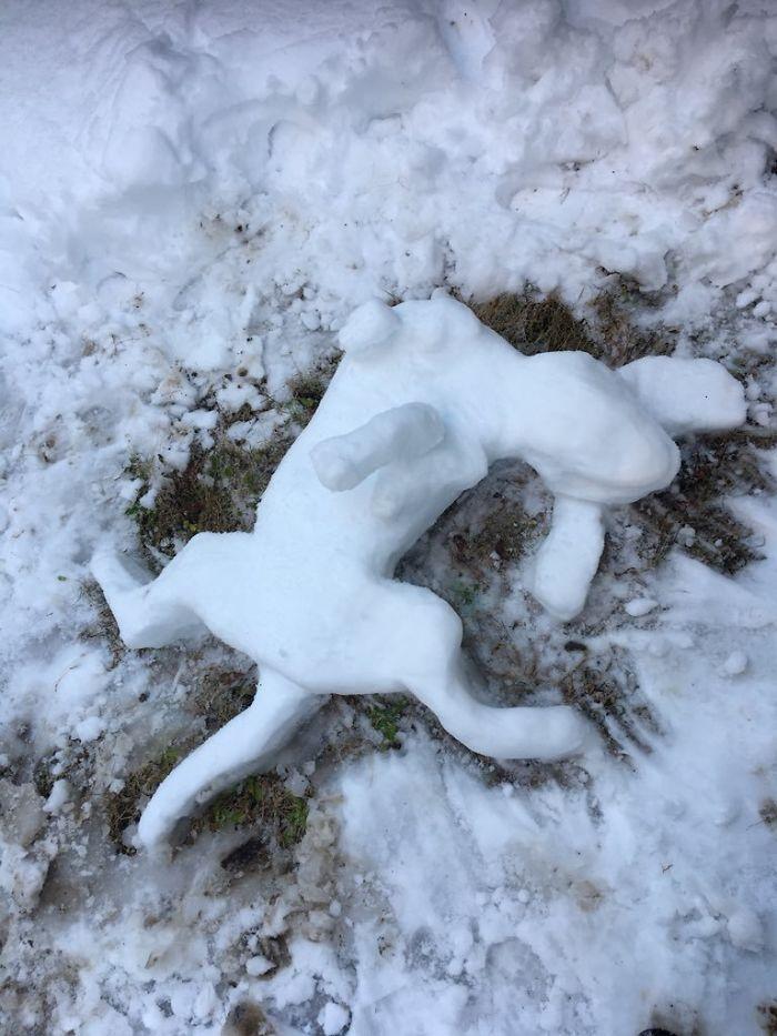 hófigura - hóember kutyus kutya