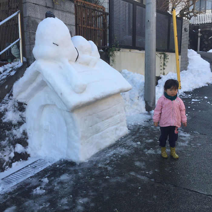 hófigura - hóember snoopi