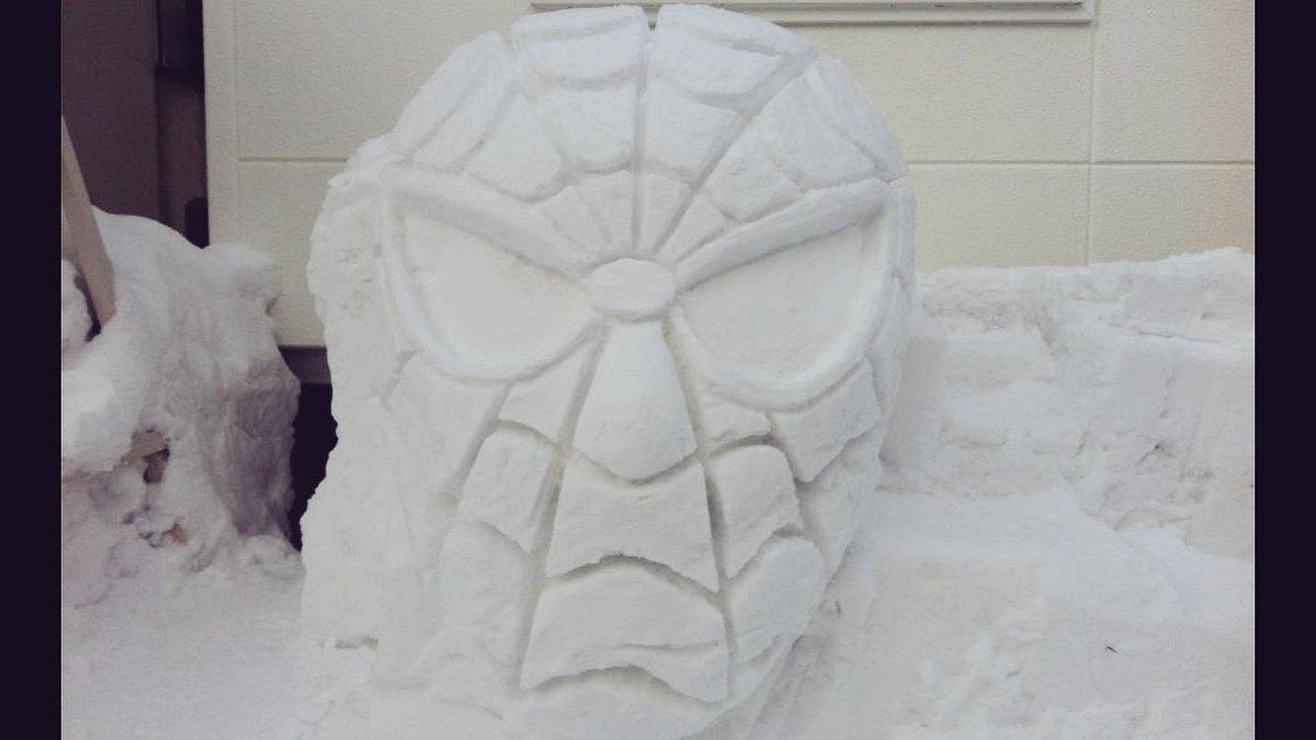 hófigura - hóember pókember