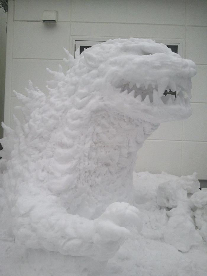 hófigura - hóember sárgkány