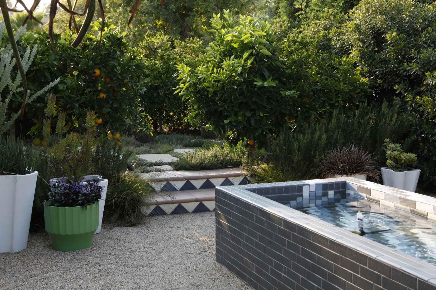 kerti lépcső többszintű terasz és kert - geometrikus formák minták