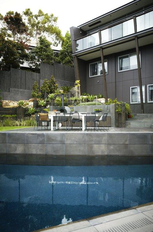 kerti lépcső többszintű terasz és kert - legyező medence
