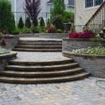 kerti lépcső többszintű terasz és kert - térkő sétány járda