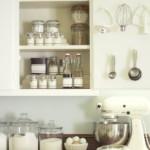 kis konyha ötlet, tipp - függőleges felület kihasználás szerkényajtó