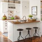 kis konyha tároló ötlet - konyha szekrény teteje kosár