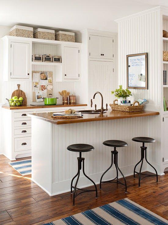 kis konyha ötlet - konyha szekrény teteje kosár