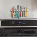 kis konyha tároló ötlet - mágneses késtartó
