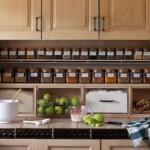 kis konyha tároló ötlet, tipp - polc fűszertartó