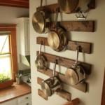 kis konyha tároló ötlet, tipp - fali edény tartó